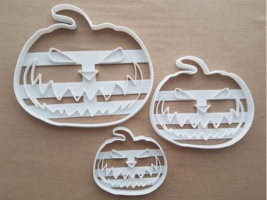 Pumpkin Jack-O-Lantern Shape Cookie Cutter Dough Biscuit Pastry Fondant Sharp Stencil Carved Scary Halloween Spooky Food