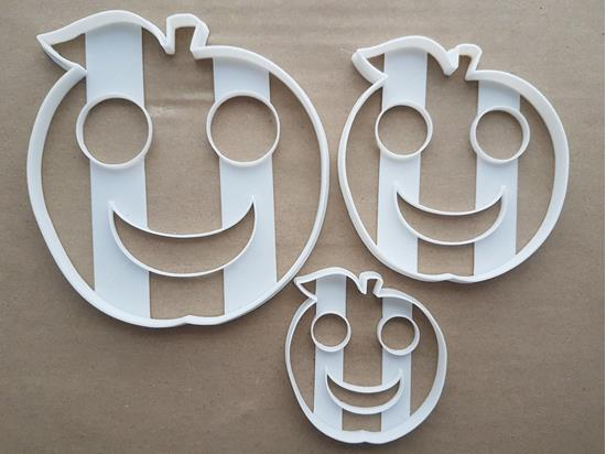 Smiley Apple Fruit Fun Shape Cookie Cutter Dough Biscuit Pastry Fondant Sharp Stencil Happy Food Smile Face